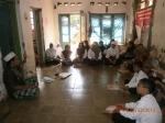 Ustadz Asep saat kegiatan pembelajaran